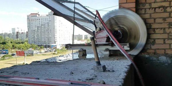 professionalnaya-rezka-betona-stenoreznoj-mashinoj